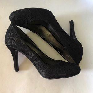 Mootsies Tootsies lace heels